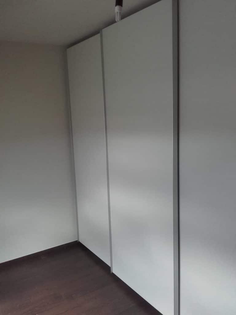 Deboosere interieurinrichting | Slaapkamerkast en bureau image 4