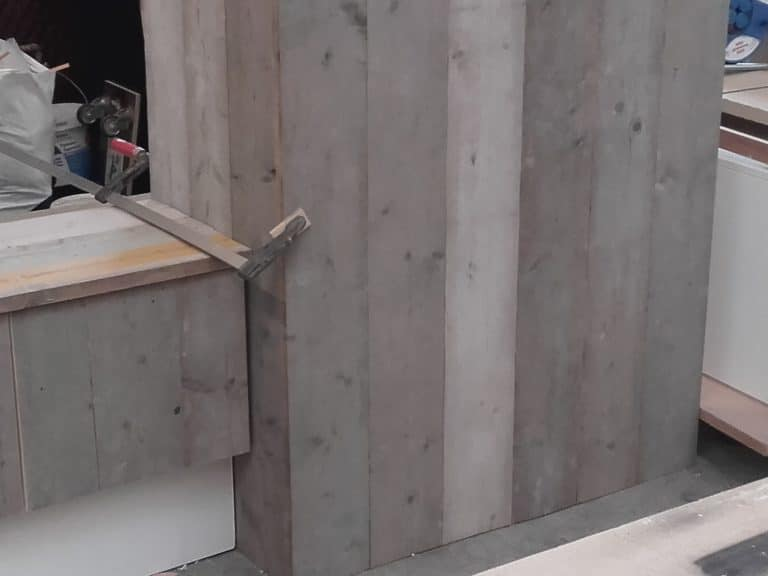 Deboosere interieurinrichting | Haardwand Steigerhout image 9