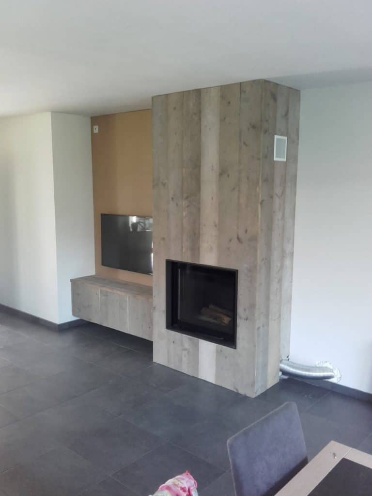 Deboosere interieurinrichting | Haardwand Steigerhout image 15