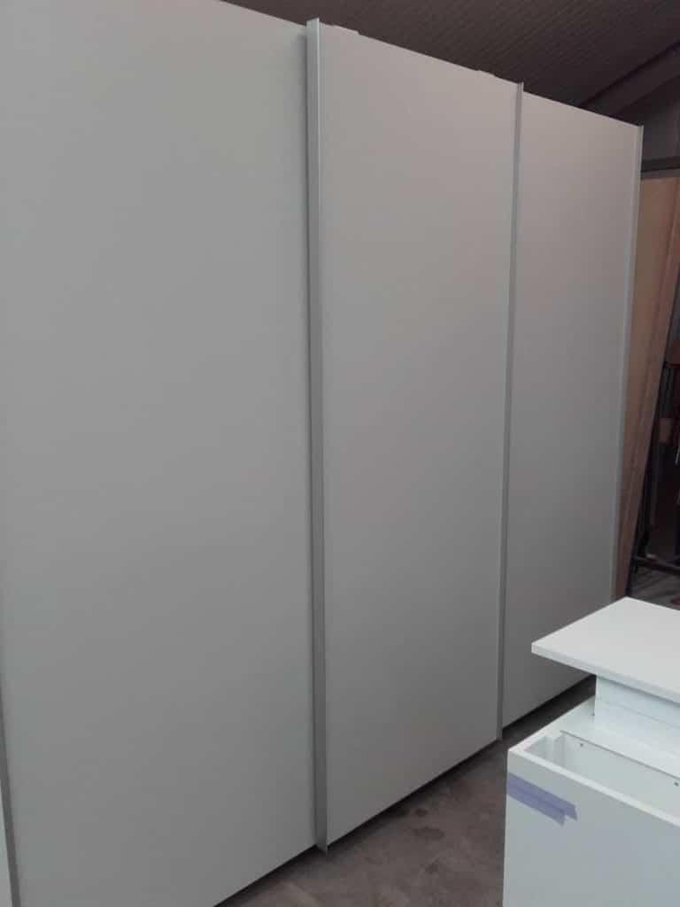 Deboosere interieurinrichting | Slaapkamerkast en bureau image 1
