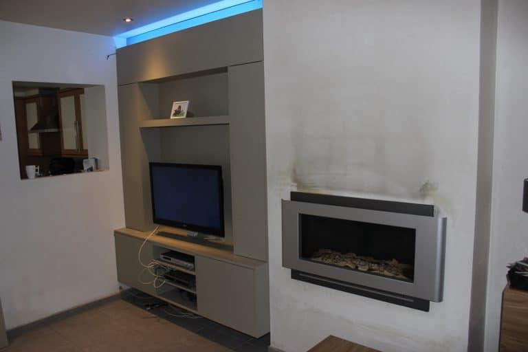 Deboosere interieurinrichting | TV meubel en kast rond haard image 5