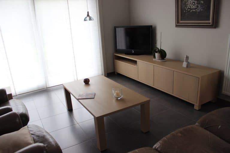 Deboosere interieurinrichting | Los meubel in eik fineer image 1