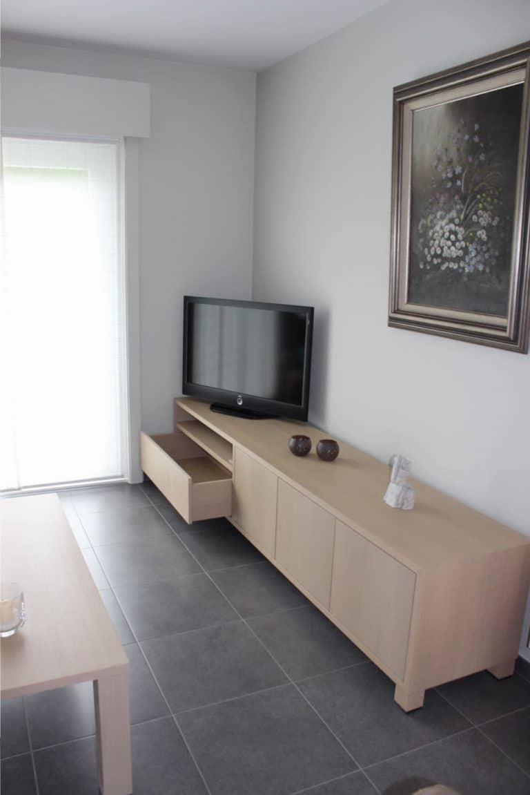 Deboosere interieurinrichting | Los meubel in eik fineer image 9