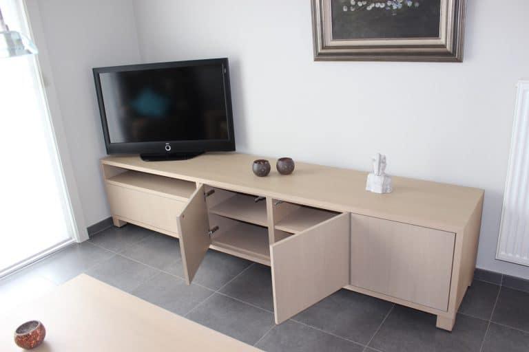 Deboosere interieurinrichting | Los meubel in eik fineer image 10