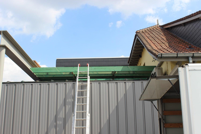Deboosere interieurinrichting | Zwevend terras in Ipe image 1