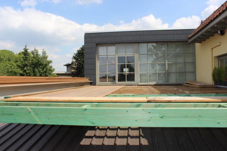 Deboosere interieurinrichting | Zwevend terras in Ipe image 4