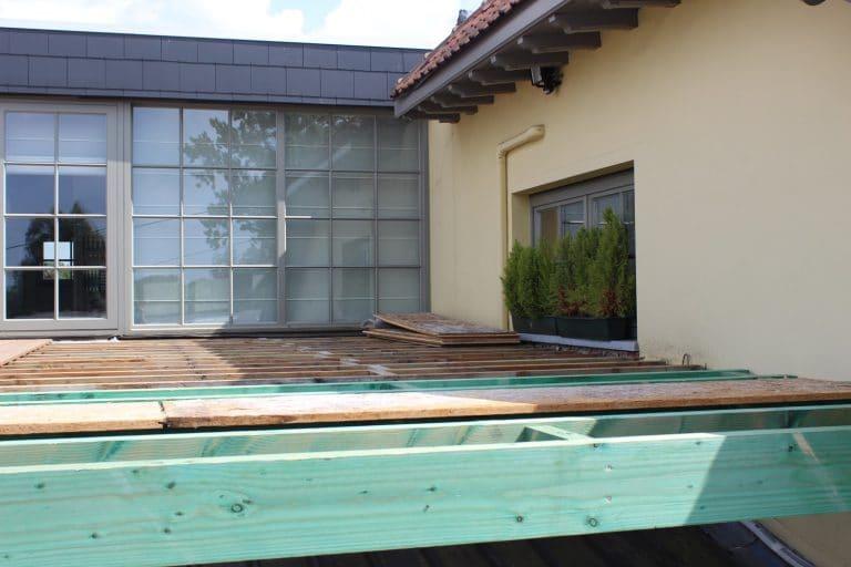 Deboosere interieurinrichting | Zwevend terras in Ipe image 5