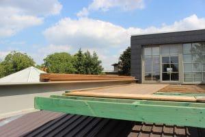 Deboosere interieurinrichting | Zwevend terras in Ipe image 6