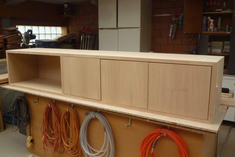 Deboosere interieurinrichting | Los meubel in eik fineer image 11