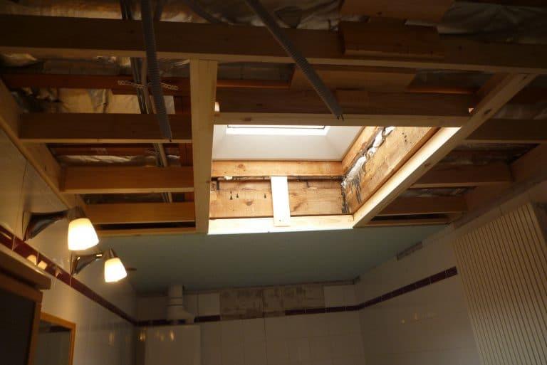 Deboosere interieurinrichting | Badkamer met gyprocplafond image 4