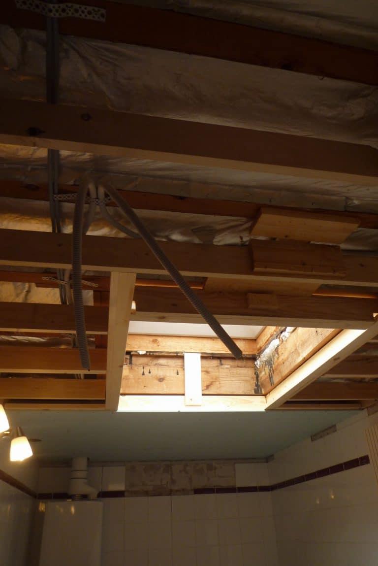 Deboosere interieurinrichting | Badkamer met gyprocplafond image 5