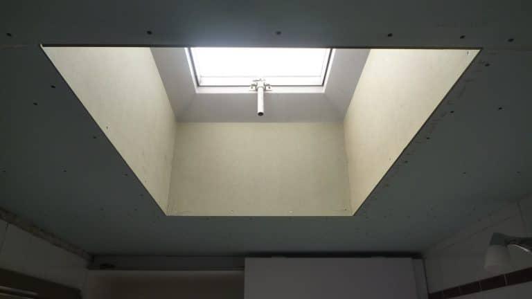 Deboosere interieurinrichting | Badkamer met gyprocplafond image 13